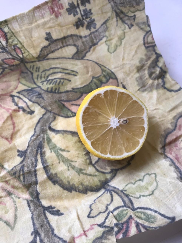 Cut lemon on top of beeswax wrap